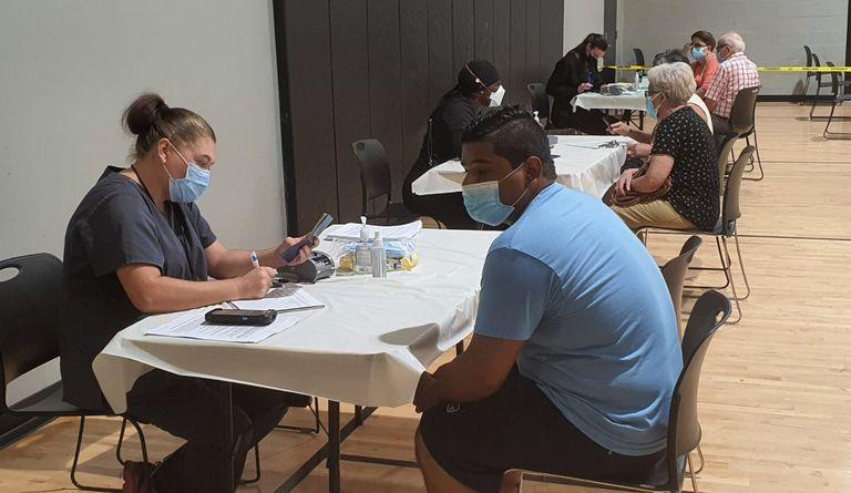 Hondureños residentes de la Florida recibieron vacunas Covid-19