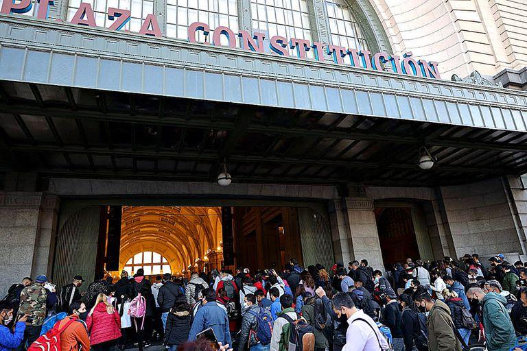 Caos y cierre de la estación Constitución por un piquete de trabajadores en las vías, la semana pasada