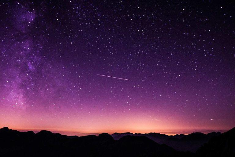 La Eta Acuáridas son una lluvia de meteroritos, cuyo origen proviene del cometa Halley, que tendrán su punto mayor esplendor el 6 de mayo.
