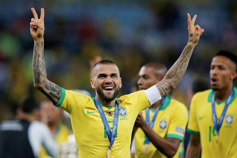 Dani Alves será el líder de la selección de Brasil en los Juegos Olímpicos; pero no irá Neymar