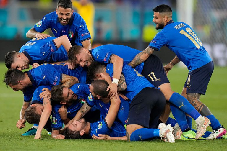 Italia jugó un gran partido, goleó a Suiza por 3 a 0 y se clasificó a los octavos de final de la Eurocopa 2020