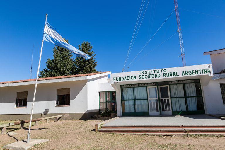 Cumple 50 años: qué se hace hoy en el colegio de la Rural en La Pampa