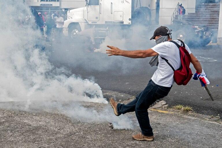 Protesta y bloqueos. Se rompe la calma en el país más estable de América Central
