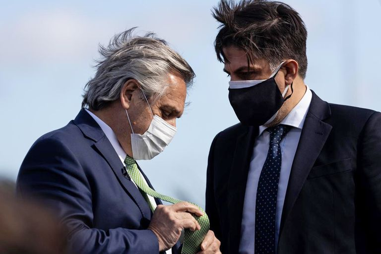 El ministro Trotta viajó a Santa Cruz con un PCR negativo, pero quedó aislado en el Sur