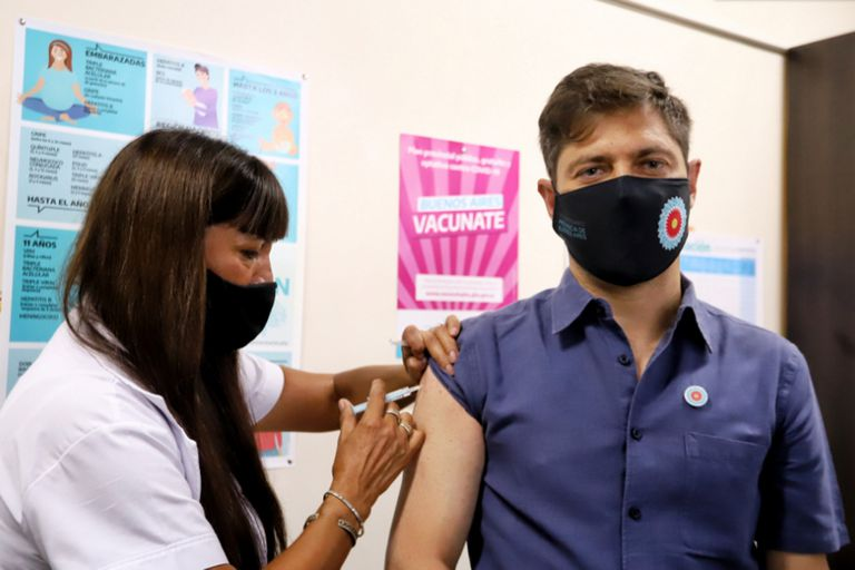 Axel Kicillof recibió la vacuna rusa Sputnik V
