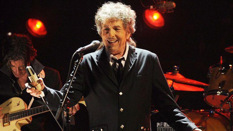 Bob Dylan dará dos conciertos en Estocolmo y se llevará su medalla