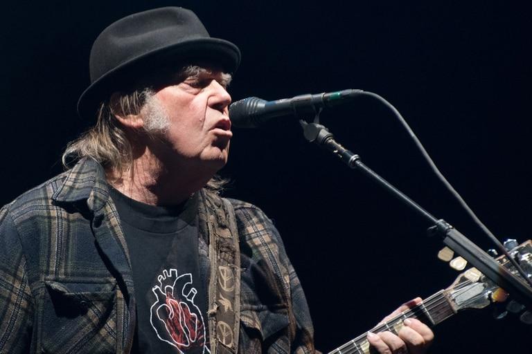 Neil Young vendió el 50 por ciento de su catálogo a la empresa que dirige Merck Mercuriadis
