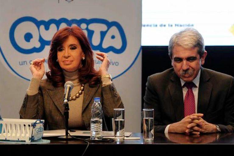 Cristina Kirchner y Aníbal Fernández, al presentar el Plan Qunita