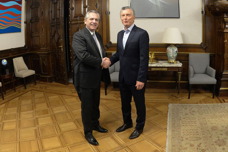Macri y Fernández se reunieron por espacio de una hora