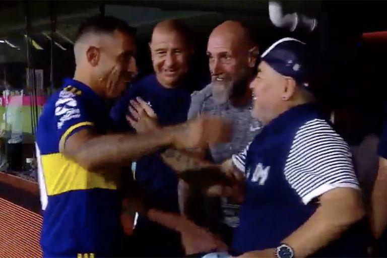 Tevez y Maradona, el 7 de marzo pasado en la Bombonera