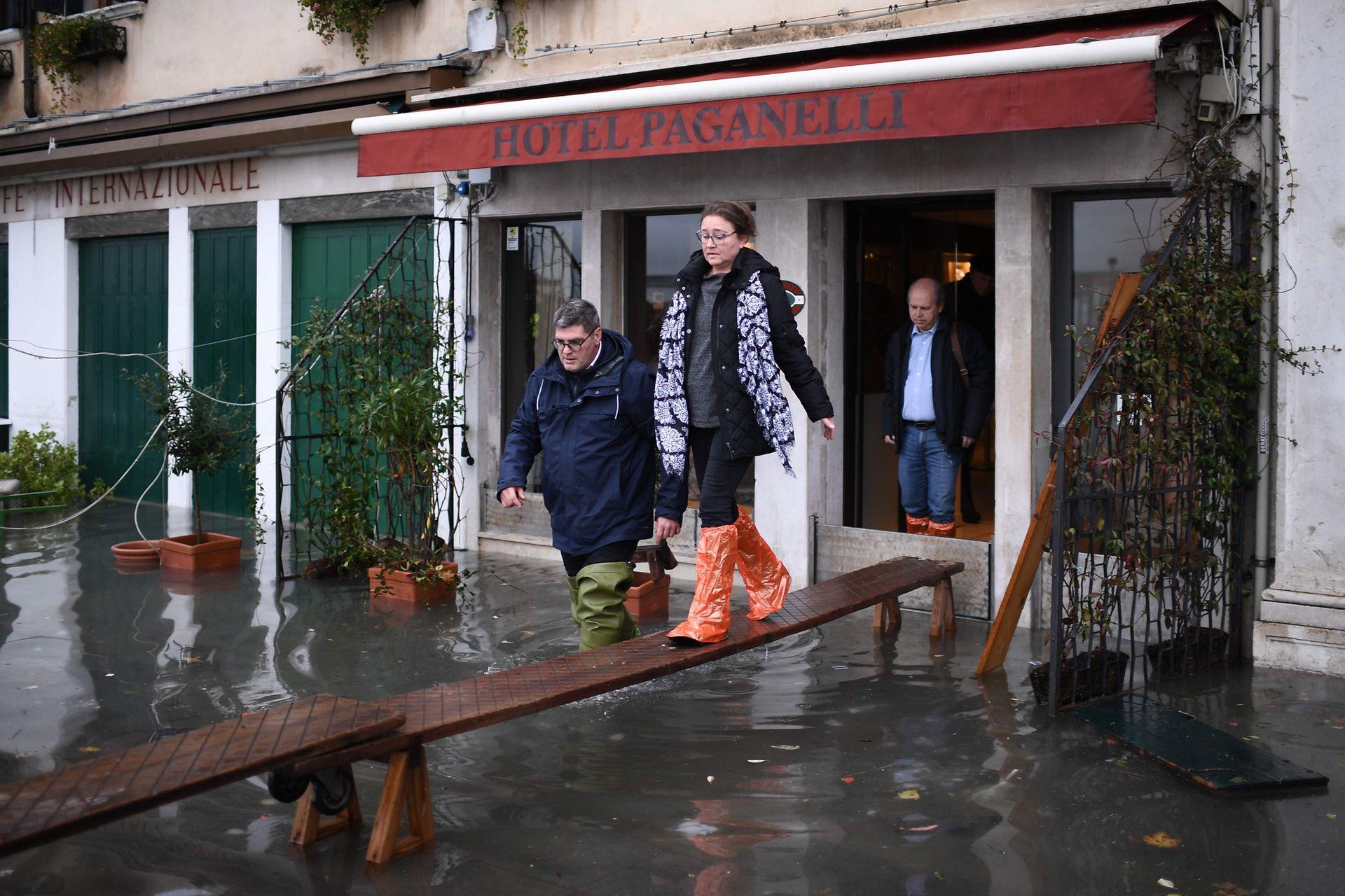 Pero no sólo Venecia está afectada ya que una oleada de mal tiempo afecta a todo el país