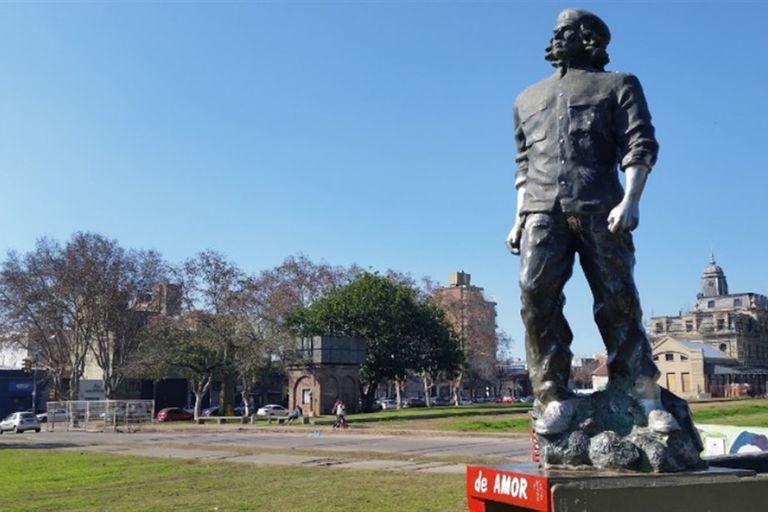 La estatua que algunos rosarinos quieren remover de su ciudad.