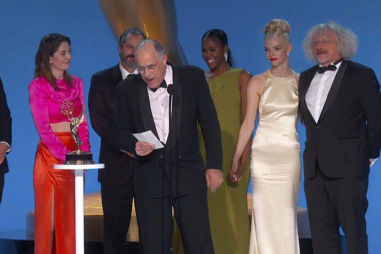 The Crown, Gambito de dama y Ted Lasso, las grandes ganadoras de la noche