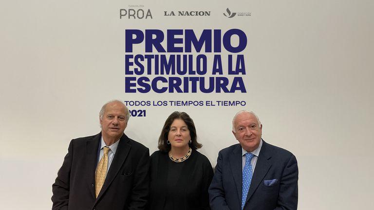 De izquierda a derecha: Gerardo della Paolera, Adriana Rosenberg, Norberto Frigerio.