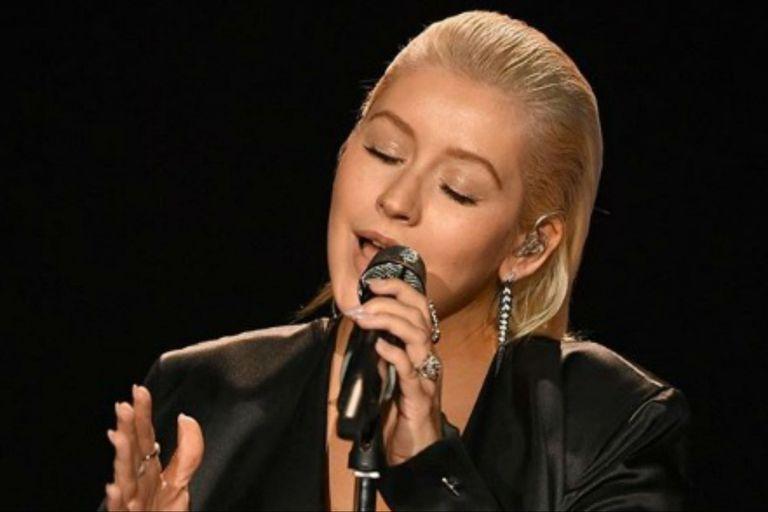 Christina Aguilera palpita el lanzamiento de su disco con un himno feminista