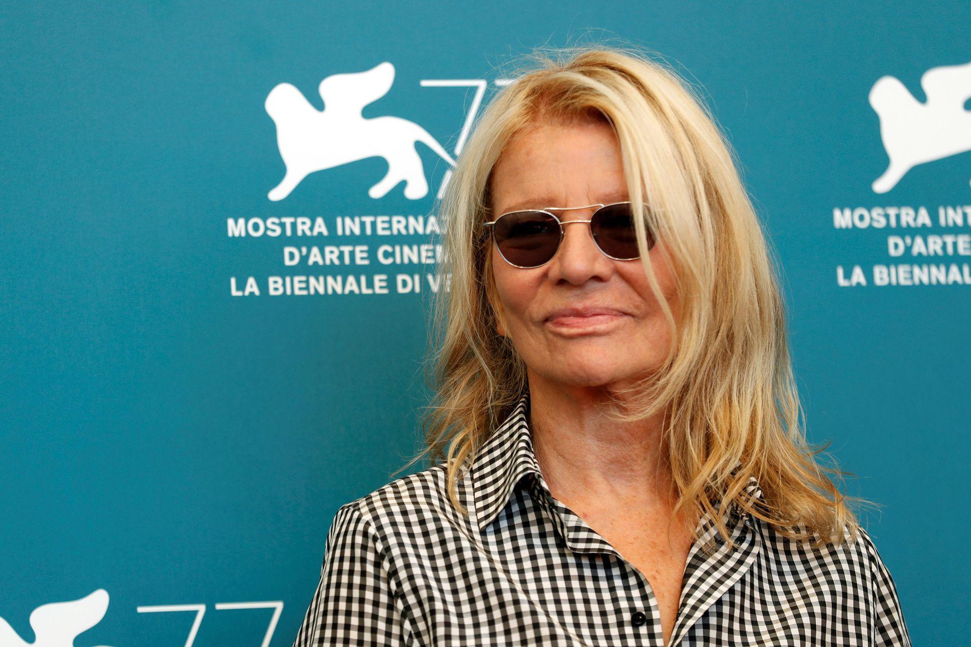 """77 ° Festival de Cine de Venecia - Proyección de la película """"Lovers"""" en competición - Photocall - Venecia, Italia 3 de septiembre de 2020 - Poses de la directora Nicole García."""