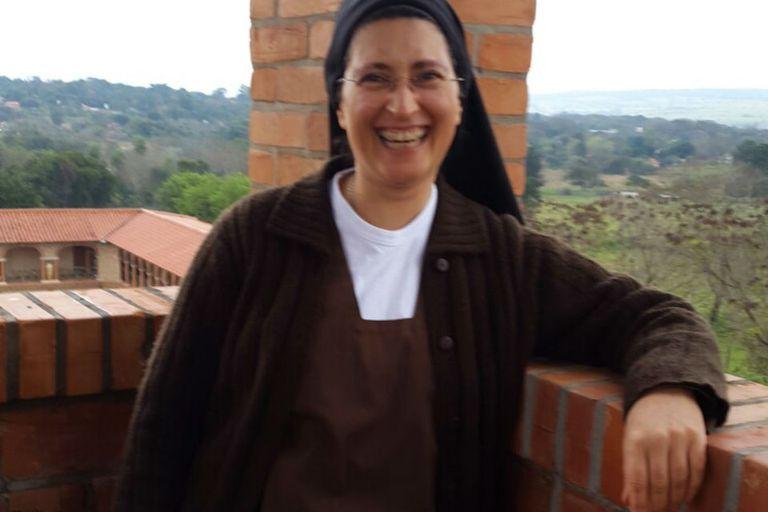 Mónica Astorga Cremona, una monja carmelita descalza que acompaña a los presos y ayuda a las mujeres trans