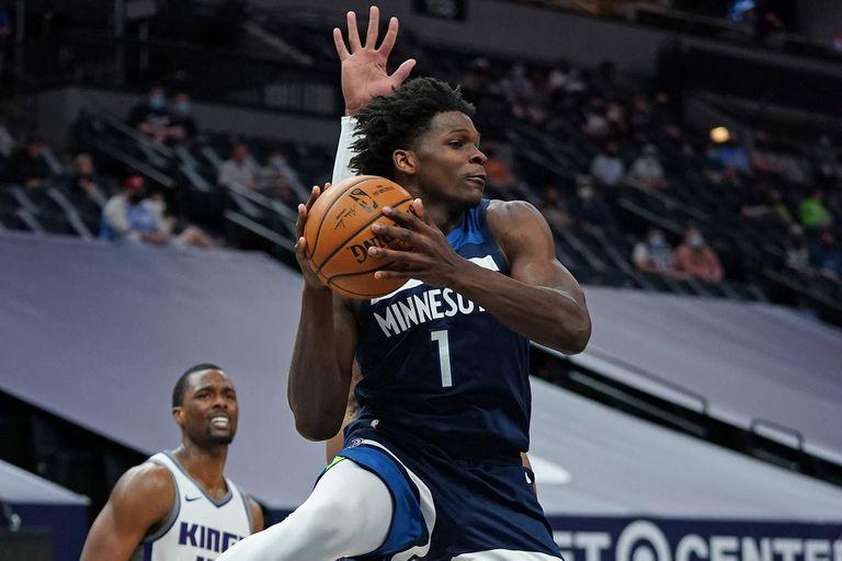Anthony Edwards, base de Minnesota Timberwolves, otro de los elegidos de manera unánime entre los mejores novatos de la gira de la NBA