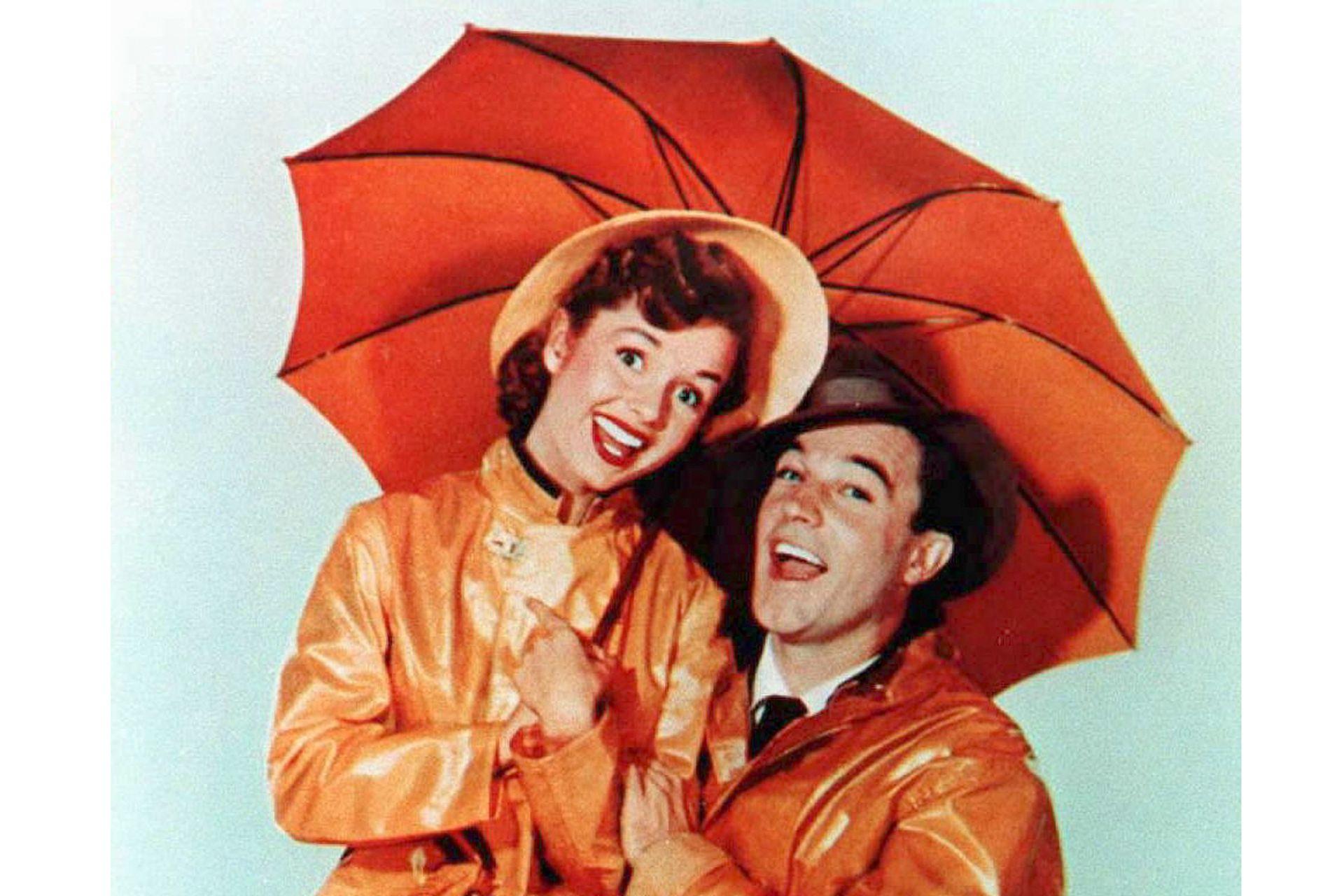 Debbie Reynolds y Gene Kelly en Cantando bajo la lluvia, tal vez el mejor de los musicales de la MGM en toda su historia