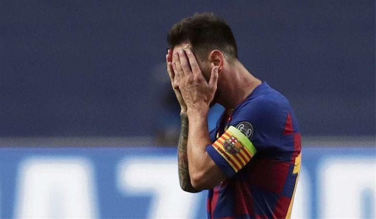 Lionel Messi, en una encrucijada: pidió ejecutar su cláusula de salida unilateral, pero se expone a un juicio; la mejor resolución para él sería una rescisión consensuada.