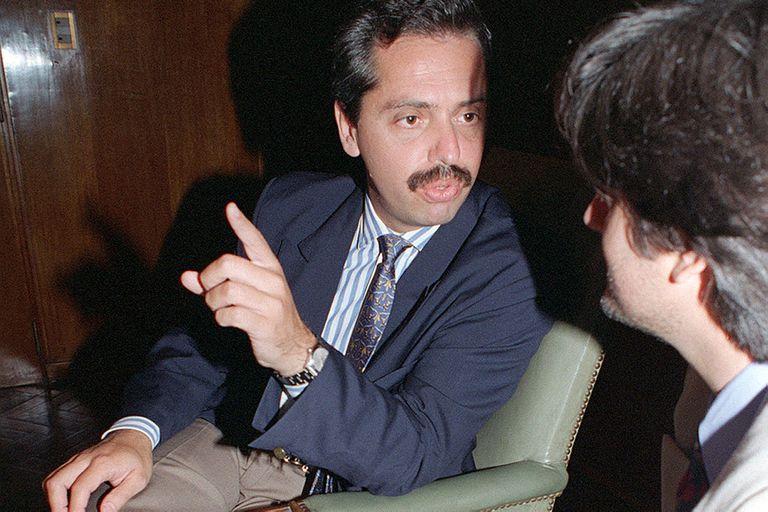 Alberto Fernández asumió como superintendente de Seguros de la Nación en 1989