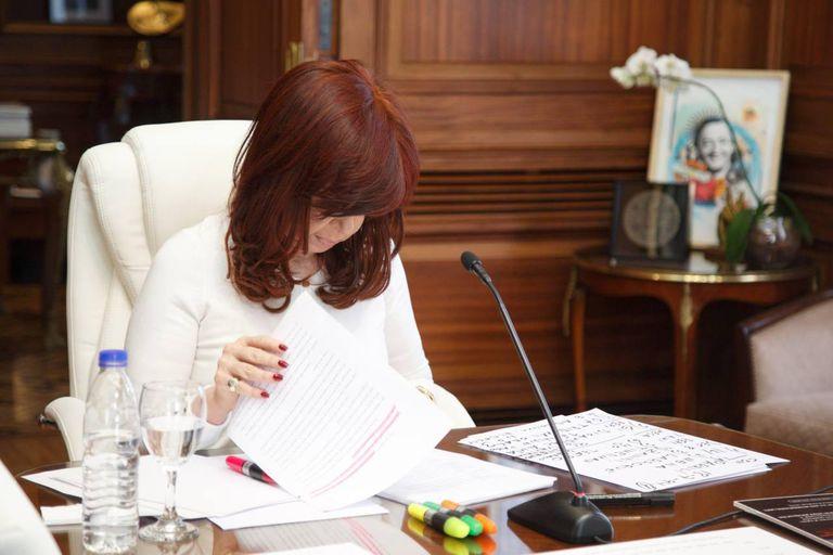 Cristina Kirchner, antes de declarar en la audiencia por el pacto con Irán