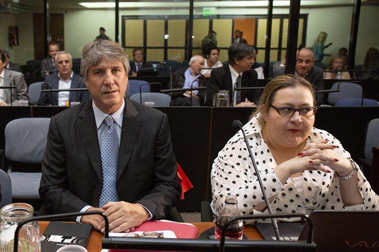 Amado Boudou y Graciana Peñafort, durante una audiencia del juicio por la adulteración de documentación y la compra de autos de Economía