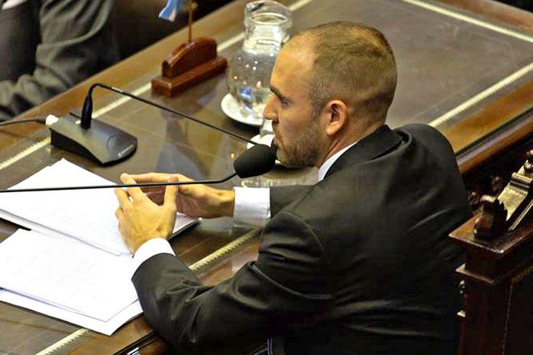 El ministro Martín Guzmán en el Congreso. Convence a los oficialistas pero el mercado ya le da la espalda