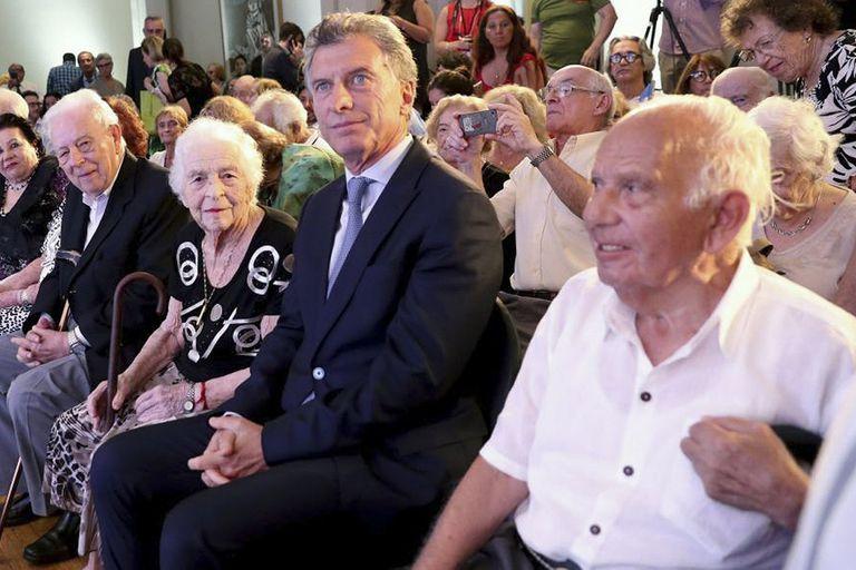 El Presidente encabezó el acto en recuerdo de las víctimas del Holocausto