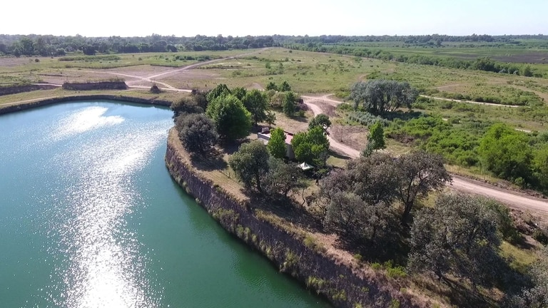 El proyecto ocupa un terreno de 300 hectáreas en la ribera del Rio Luján