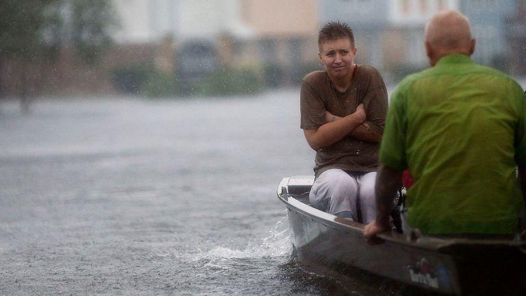 Harvey tocó tierra por segunda vez en Luisiana, un estado golpeado por Katrina