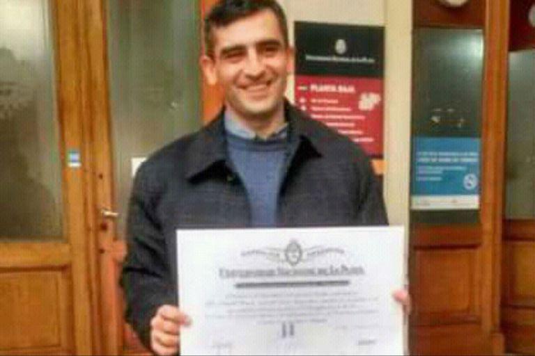 Romero el día que recibió su título de abogado, en la Universidad de La Plata