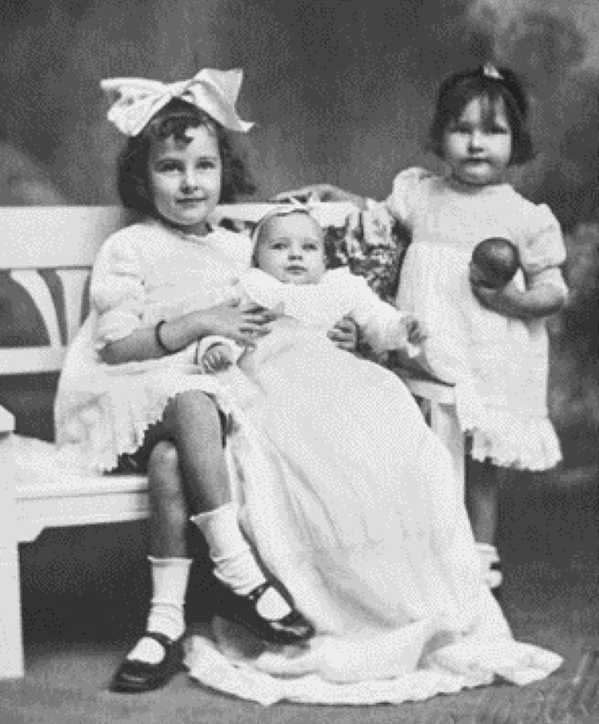 Silvina con sus hermanas Laura y Marta, ella es la de la derecha