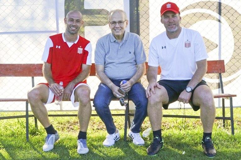 Con Mascherano y Gabriel Milito, en una visita a City Bell
