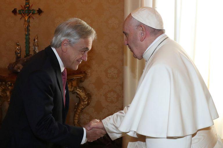 Francisco con el presidente chileno, Sebastián Piñera