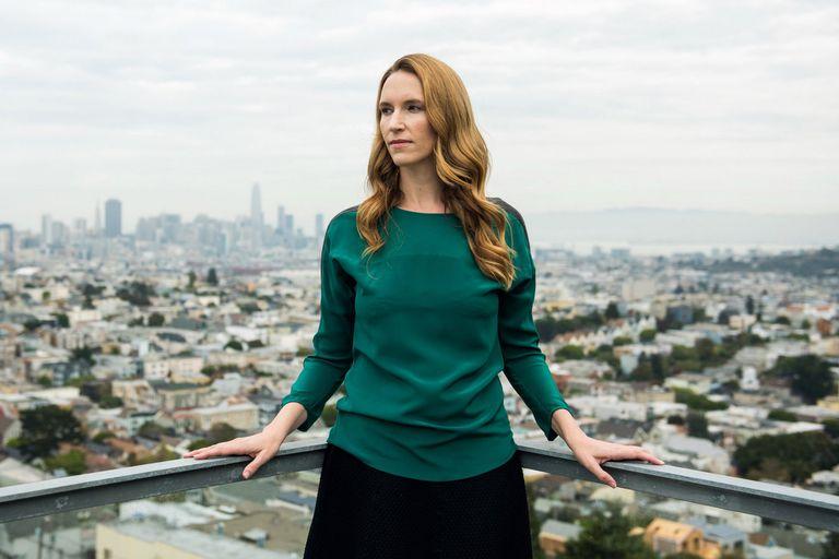Jessica Powell trabajo en Google y Badoo, para luego retirarse y escribir The Big Disruption, su primera novela donde relata, con una ficción, la hermética industria tecnológica estadounidense