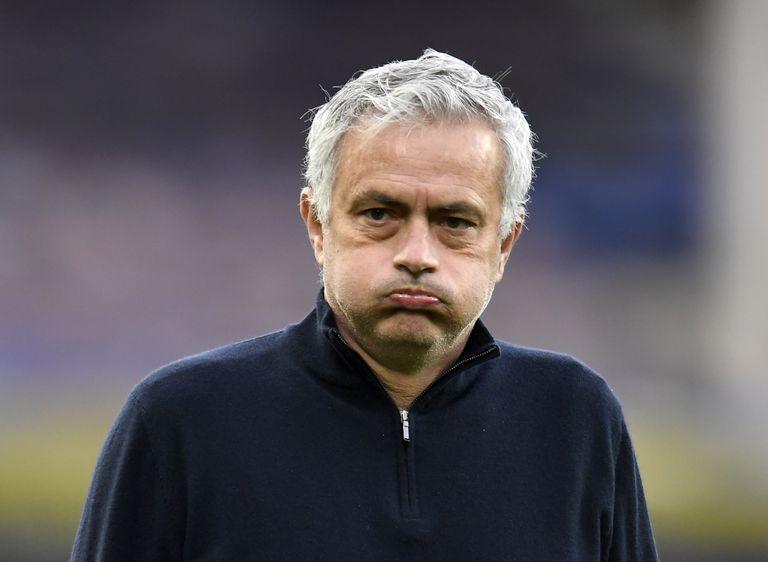 """Mourinho, nuevo entrenador de la Roma, dijo que quiere """"crear un camino ganador los próximos años"""" (Peter Powell/Pool vía AP, archivo)"""