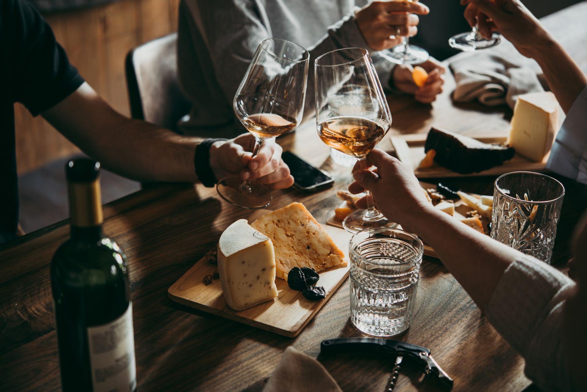 El vino naranja es ideal para maridar con la previa del asado
