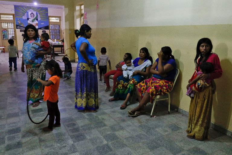 Centro de evacuados por la inundaciones en Aguaray, Salta