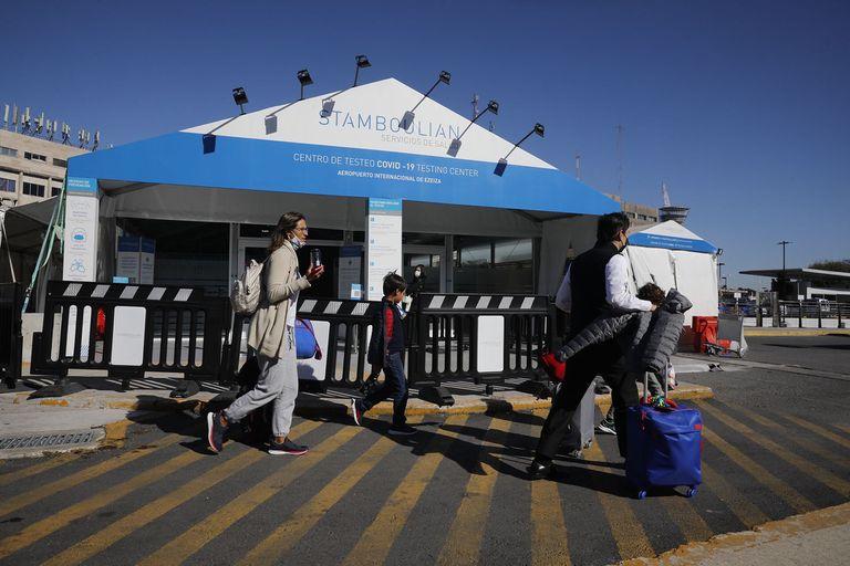 Cuándo se abrirán las fronteras y se eliminarán los controles para los argentinos que regresan del exterior