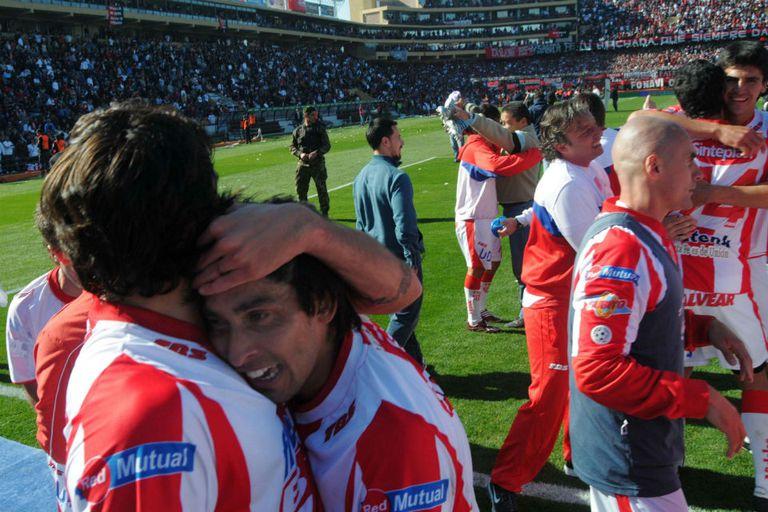 En 2011, cuando Unión volvió a Primera, le ganó a Colón y festejó de visitante