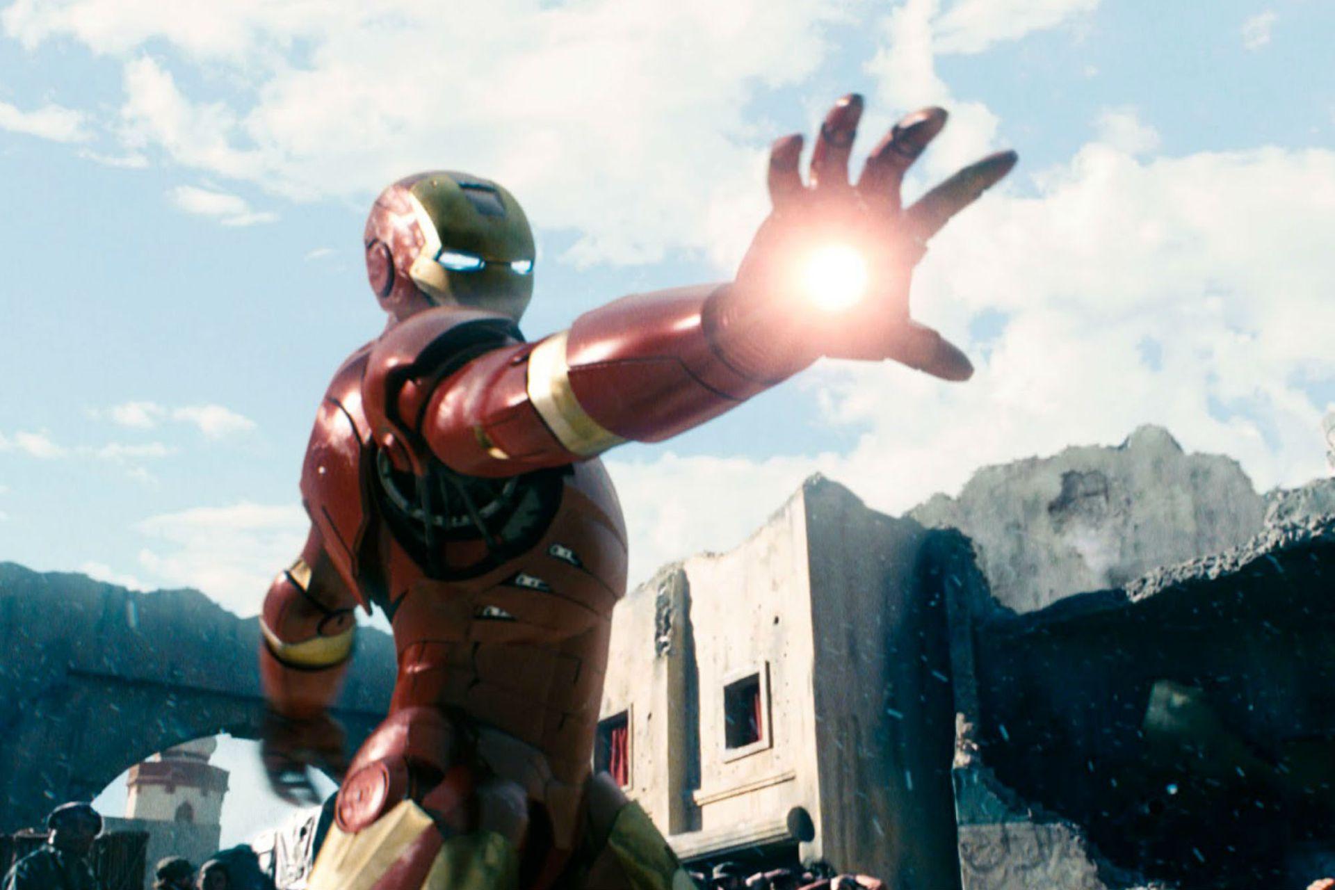 La tercera versión de la armadura debutó también en el primer film.