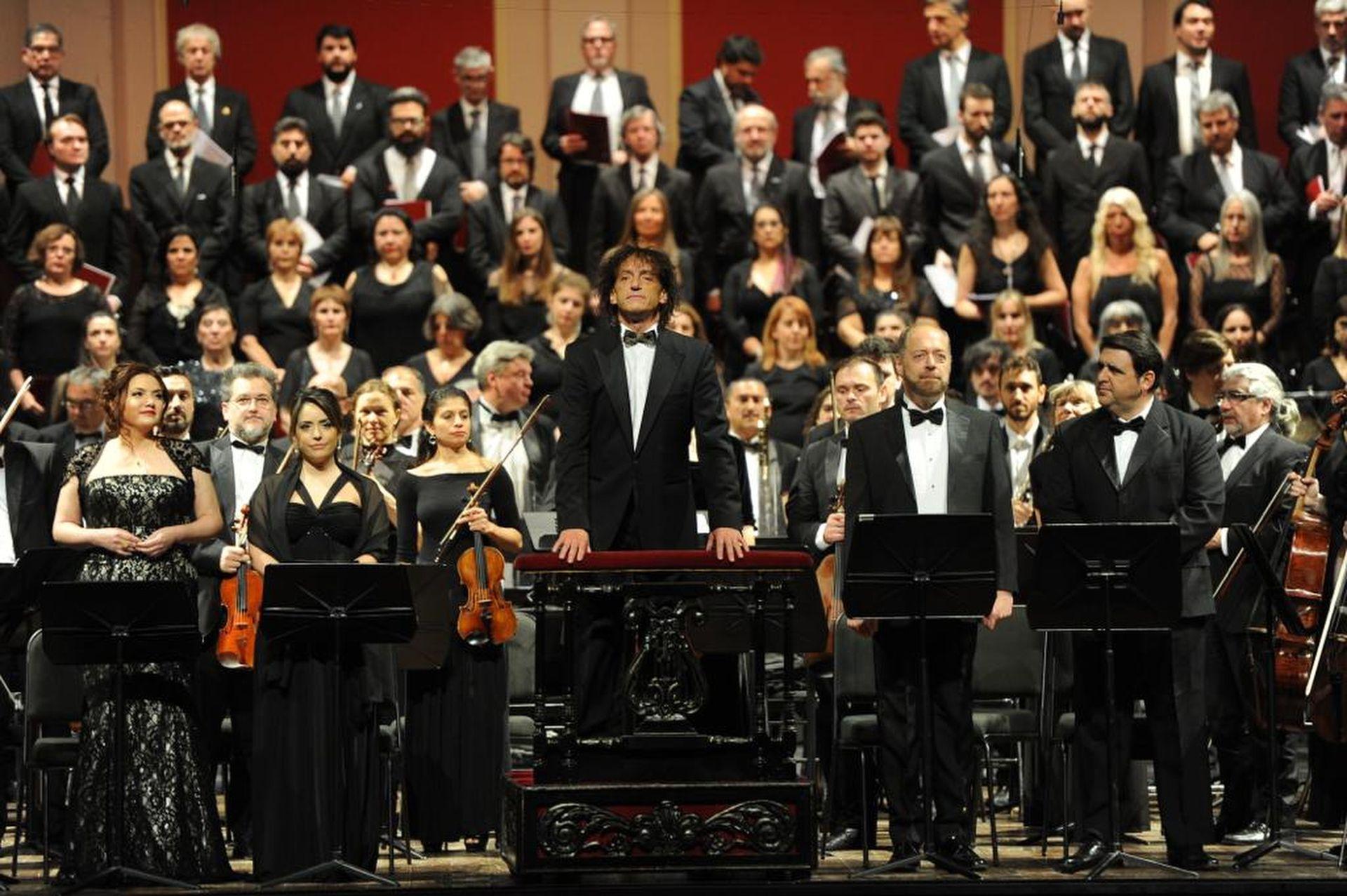 Ángel Mahler al comienzo de la obra en el Teatro Colón