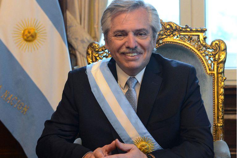 Fernández inicia el gobierno con una reforma de la Justicia y de la AFI - LA NACION
