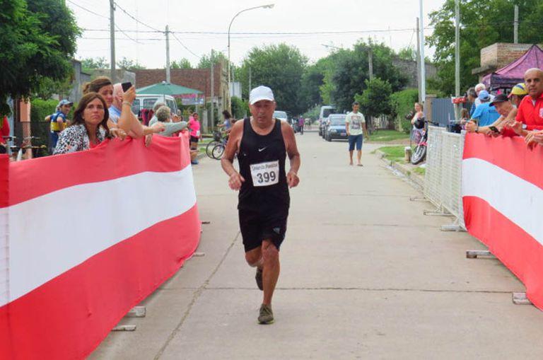 Jorge López, a los 75 años, quiere seguir corriendo