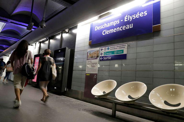 """De """"Deschamps Elysees"""" a """"Víctor Hugo Lloris"""": cambia el metro de París"""