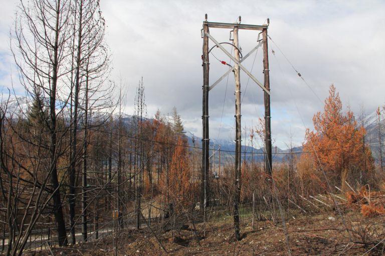 El tendido eléctrico de la localidad de Lago Puelo, en Chubut
