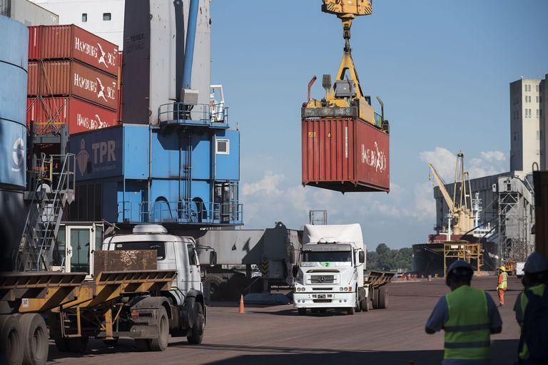 La pandemia sigue causando trastornos en el comercio internacional