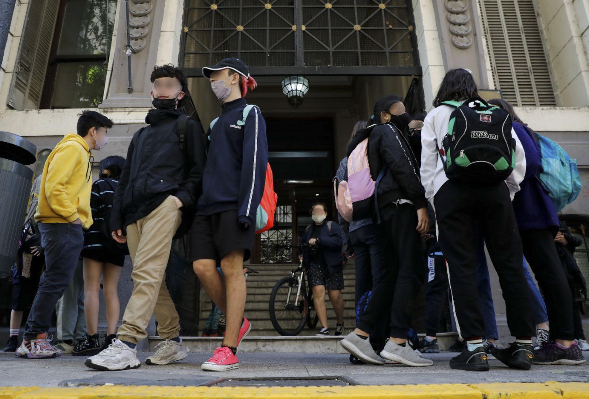 La carga horaria de los alumnos, un factor clave a la hora de pensar los años de secundaria