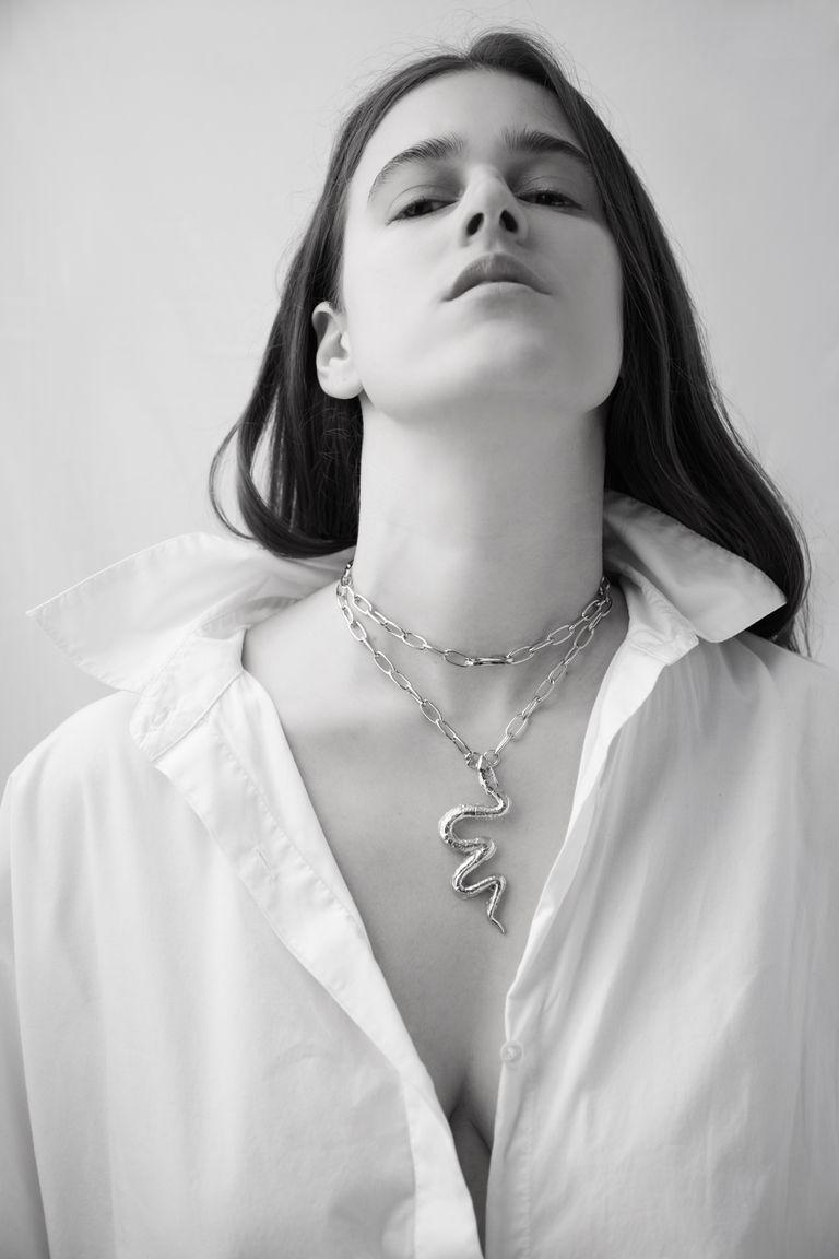 Bernardita debuta en rol de emprendedora con una potente colección de joyería